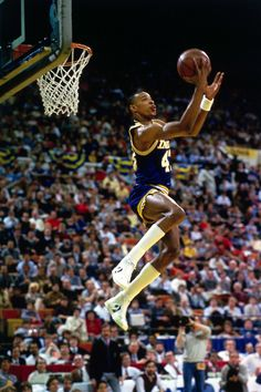 Terence Stansbury Basketball Is Life, Basketball Pictures, College Basketball, Nba Slam Dunk Contest, Kobe Bryant Lebron James, Best Dunks, Nba Basket, Nba Wallpapers, Nba Stars