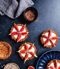 Probiere Granola-Tartelettes mit Feigen jetzt bei FOOBY. Oder entdecke weitere feine Rezepte aus unserer Kategorie Vegane Rezepte.