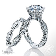 Perfection. This just might be the prettiest engagement ring ever. From the @Tacori RoyalT Collection, in Platinum. style no. HT2602RD95