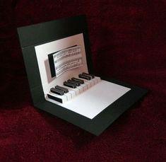 Фортепиано Всплывающие Окна Без Окончательной Декорации - Вид Сбоку