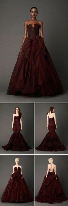 La primer colección de Vera Wang que incorporó vestidos no tradicionales. The very first Vera Wang wedding dress collection to incorporate non traditional gowns.