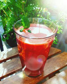~ morötter rödbetor ingefära gurkmeja vattenmelon citron kokosvatten svartpeppar cayenne kardemumma kanel ~