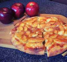 check out our newest #dessert, the Apple Pie-zza! Just in time for those #holiday parties you're planning… 🍎🍏