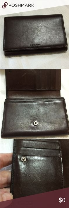Brown Coach Wallet Medium size pre-loved wallet in very good used condition. Smooth brown leather throughout. Please look at pictures Coach Bags Wallets