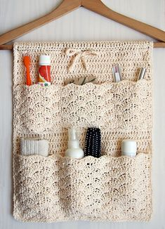 Pattern is written is US crochet terms.The Bathroom Organizer is an exclusive design inside Issue (December of Happily Hooked Magazine.Ravelry: Bathroom Organizer pattern by Ana D Bathroom Organisation, Home Organization, Bathroom Storage, Crochet Gifts, Free Crochet, Crochet Case, Cat Crochet, Crochet Organizer, Crochet Storage