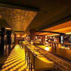 The perfect late night hideout @slingbarseminyak at @plantationgrillbali @doublesixseminyak  #bali #mydestination #mydestinationbali #travel #luxury #lifestyle #islandlife #bar #nightlife #cocktails #whisky #rum #champagne #drinks #friday #weekend #slingbar #plantationgrill #doublesix #seminyak #indonesia