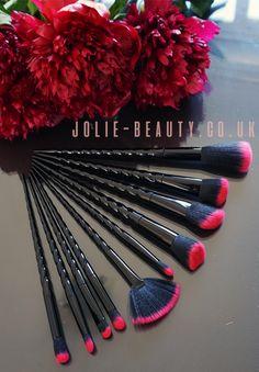 Gothic Unicorn Makeup brushes from Jolie-beauty.co.uk