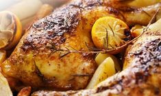Slow Cooker Rosemary Chicken Breasts A tender and delicious meal courtesy of the slow cooker. Rosemary Chicken, Roasted Chicken, Baked Chicken, Grilled Chicken, Lemon Chicken, Healthy Chicken, Roasted Carrots, Marinated Chicken, Boneless Chicken