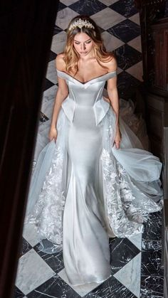 Wedding dress idea; Featured Dress: Galia Lahav; Featured Photographer: Greg Swales