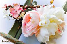 Pink/Cream white flower head wreath/earthy twig garland/whimsical/bride/bridesmaid/girl/big/circlet/halo/two ring crown/woodland/festival. $63.00, via Etsy.