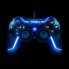 TRON Wired Controller for PlayStation 3 Collector's Edition - Gamer House Ideas 2019 - 2020 Ps4 Controller Custom, Game Controller, Computer Gaming Room, Gaming Room Setup, Control Ps4, Manette Xbox One, Video Game Rooms, Video Games, Best Gaming Wallpapers