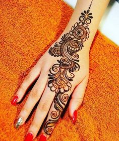 Apply these best Party Mehndi design that helps in bringing out your beauty. Here are Some Trendy and stylish Party Mehndi Designs. Floral Henna Designs, Full Hand Mehndi Designs, Legs Mehndi Design, Simple Arabic Mehndi Designs, Mehndi Designs For Girls, Henna Art Designs, Mehndi Designs For Beginners, Mehndi Designs 2018, Mehndi Designs For Fingers