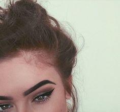dark brow + cat eye