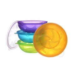 Stack up, snack up!Serve meals and snacks to your toddler in these four brightly colored bowls with lids.