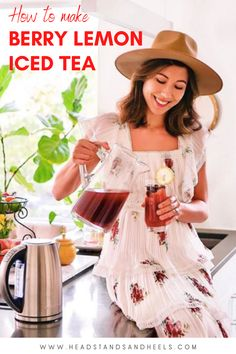 I don't know about you but warm, sunny days always make me crave a tall glass of iced tea. This recipe definitely brings all the summer vibes with the fruity flavors from the berries and lemon, plus a touch of sweetness. Enjoy!