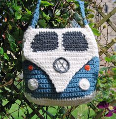This crochet pattern is to make a Splitty Campervan Shoulder Bag approximately square. (Please note the instructions are written in UK terms but charts are included and there is just one main stitch - UK Double Crochet& Single Crochet). Knitting Yarn, Knitting Patterns, Crochet Patterns, Sewing Patterns, Crochet Handbags, Crochet Purses, Crochet Bags, Double Crochet, Single Crochet