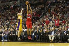 Portland Trail Blazers win season opener against Los Angeles Lakers 116-106 (photo essay)
