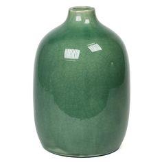 #vtwonen vaas #vase  #flowers  #interior  #decoration  #green  $16.78/€12.95 www.magalogue.nl