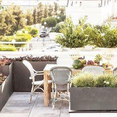 Outdoor Furniture Sets, Living Furniture, Outdoor Decor, Hardscape Design, Bistro Chairs, Building Exterior, Fibre, Handmade Furniture, Rattan