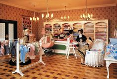 The baby and children's department in the largest miniature department store in… Miniature Dollhouse Furniture, Miniature Houses, Miniature Dolls, Dollhouse Miniatures, Doll Museum, Tiny Teddies, Barbie Doll House, Store Displays, Miniture Things
