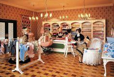 Die Baby und Kinder Abteilung im größten Miniatur Kaufhaus der Welt.