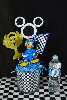 Mickey and the Roadster Racers Inspired Birthday Party Centerpiece - Sala de juegos Ideas Cars Birthday Parties, Mickey Mouse Birthday, 3rd Birthday, Mickey Mouse Parties, Mickey Party, Race Car Party, Birthday Party Centerpieces, Mickey And Friends, Minnie
