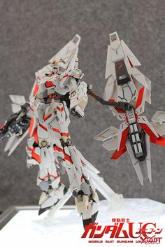 MG 1/100 Unicorn Gundam + 2 Armed Armor DE Phenex Equipment Type - Custom Build - Gundam Kits Collection News and Reviews