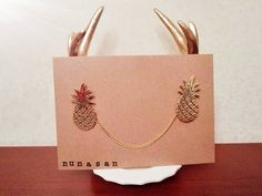 Vintage Collar Brooch Pineapple 22kt gold brass di NunaSan su Etsy