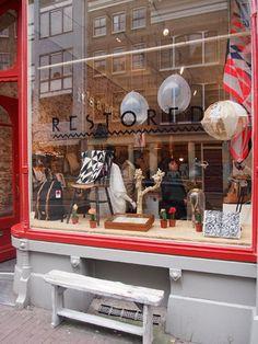 crystal ball window / Restored shop Haarlemmerdijk 39, Amsterdam