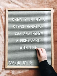 Christian letter board saying quote Bible Verses Quotes, Jesus Quotes, Bible Scriptures, Faith Quotes, Uplifting Bible Verses, Bible Verse Decor, Bible Verse Signs, Felt Letter Board, Word Board