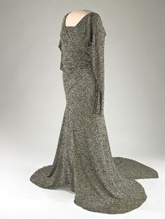 Lou Henry Hoover 1932 specially designed cotton Evening gown, made to promote the cotton textile industry. American First Ladies, Cotton Textile, Historical Clothing, Ladies Fashion, Womens Fashion, Evening Gowns, Herbert Hoover, Textile Industry, Formal Dresses