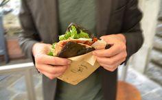 Provala anche aromatizzata al #carbone #alimentare! Ovviamente farcita con i migliori #salumi e #formaggi toscani!  #Panbriaco #Firenze #Toscana