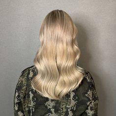 Full Head Highlights, Long Hair Styles, Beauty, Long Hairstyle, Long Haircuts, Long Hair Cuts, Beauty Illustration, Long Hairstyles, Long Hair Dos