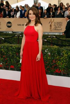 See all of the best red carpet arrivals from last night's 2016 SAG Awards: Tina Fey