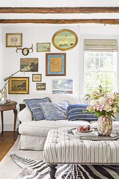 """34 Fascinating Summer Living Room Decor Ideas You Will Love - After a long winter, it's incredibly nice to be able to go to your summer house and """"open"""" it for the season. One of the first considerations you may . Comfortable Living Rooms, Cozy Living Rooms, Home Living Room, Living Room Designs, Living Room Furniture, Living Room Decor, Cottage Homes, Cottage Style, Cottage Chic"""