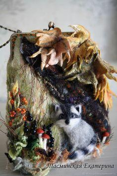 Купить Сумочка «В раздумьях ...енотная осень» в интернет магазине на Ярмарке Мастеров