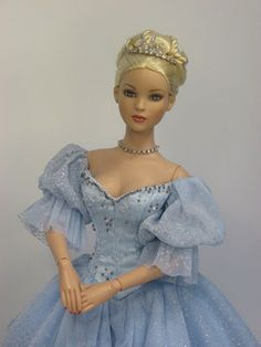 Cinderella and Cami by The Tonner Doll Company | The Toy Box Philosopher.