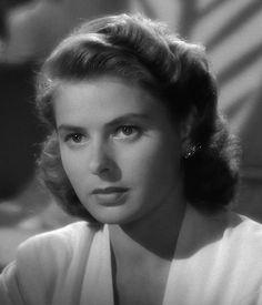 Ingrid Bergman em seu clássico papel em Casablanca.