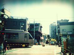 @harmomonic  Photo: 明日はもうない。くすん…涙。世田谷代田の踏切。通った小学校のそば。 #シモチカ
