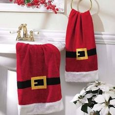 Christmas Bathroom Decoration Ideas To really enjoy the Christmas holidays, you'll obviously want to decorate your space so as to get that . Christmas Bathroom Decor, Christmas Towels, Christmas Sewing, Rustic Christmas, Christmas Home, Christmas Holidays, Xmas Crafts, Christmas Projects, Disney Christmas Decorations