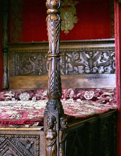 four poster oak bed Briar Rose, Gothic, Art Nouveau, Wars Of The Roses, Wood Beds, Medieval Castle, Dream Bedroom, My Dream Home, Antiques
