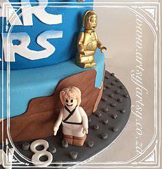 Luke Skywalker and Lego Sugar Figurines Cupcake Cakes, Cupcakes, Star Wars Cake, Lego Cake, Luke Skywalker, Sugar, Cupcake, Cup Cakes, Cup Cakes