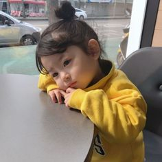 Baby Must Haves Bath - - Modern Baby Blanket - - Baby Cribs Ikea - Baby Gear Months Cute Asian Babies, Korean Babies, Asian Kids, Cute Babies, So Cute Baby, Cute Kids, Cute Baby Girl Pictures, Baby Photos, Little Babies