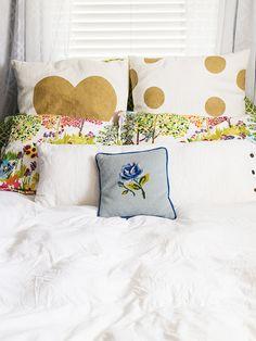 Sarah Hearts | DIY Freezer Paper Stenciled Throw Pillows