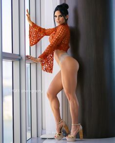 Michelle Lewin - michelle_lewin - The Fitness Girlz Michelle Lewin, Fitness Motivation, Bikini Workout, Sexy Body, Girl Pictures, Sexy Legs, Gorgeous Women, Beautiful, Beauty Women