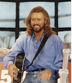 barry gibb picture gallery | barry-gibb-10
