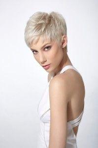 De leukste korte kapsels voor vrouwen met dun haar