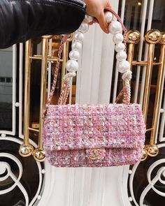 Clutch ,Purse , Mini-Bags Inspiration for the Day & Night designer 2020 trends aesthetic bags bags for gowns for Abendkleider Gabrielle Bonheur Chanel, Fashion Bags, Fashion Accessories, Summer Accessories, Cute Bags, Luxury Bags, Chanel Boy Bag, Chanel Chanel, Chanel Bags