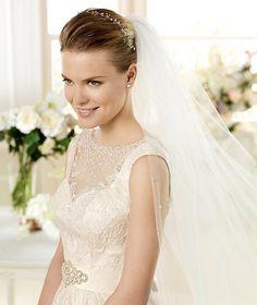 MATIZ » Wedding Dresses » 2013 Costura Collection » La Sposa (close up)