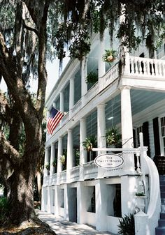 Rhett House Inn, Beaufort, SC  Favorite place to stop on the way to North Carolina!! Always a treat!